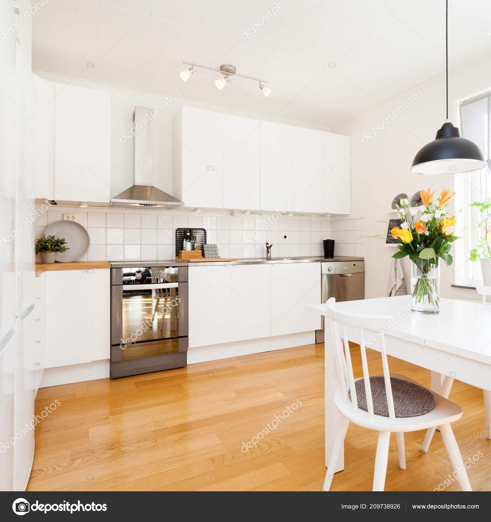 Інтер Стильні Кухні Тлі — Стокове фото — стіл ... 0c924222f1736