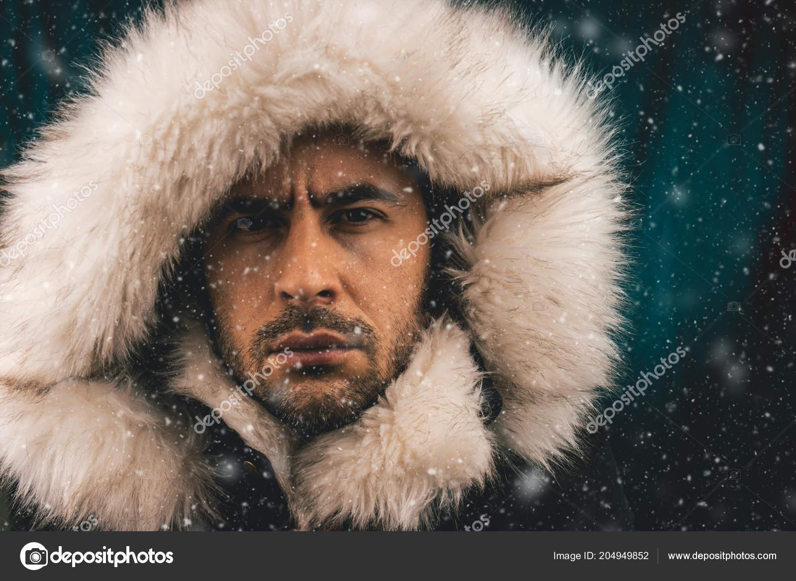 Para estrenar 0f9e5 78dda Retrato Hombre Blanco Vestido Con Una Chaqueta Esquimal ...