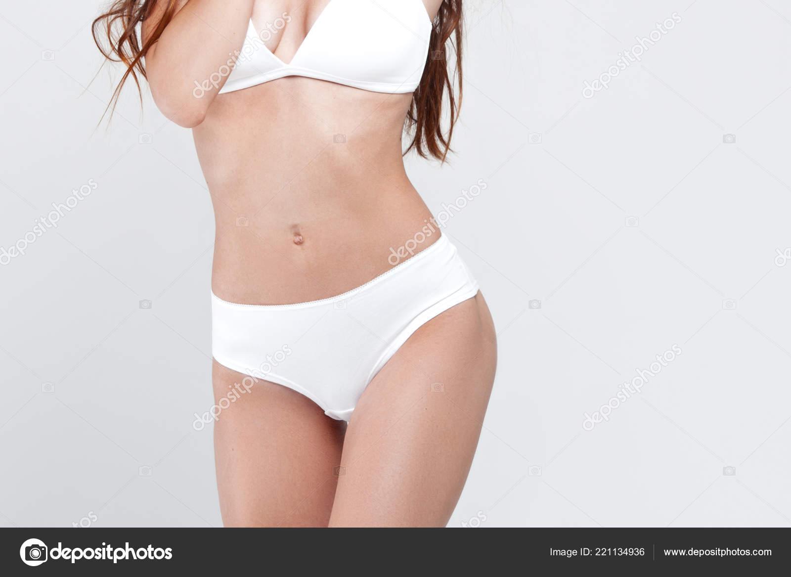 release info on release info on great quality Sexy Jeune Femme Sous Vêtements Sur Fond Blanc Portrait ...