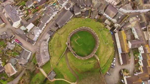 Rovine del Castello di British 14th secolo, riprese aeree Drone, Castello di Totnes, Devon Uk
