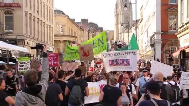 Obrovský dav lidí ve Velké Británii úsporná protesty 2015, Bristol