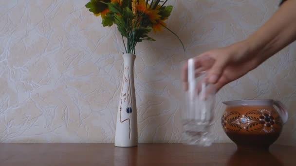 Mistrovství prázdnou sklenici stand tabulka