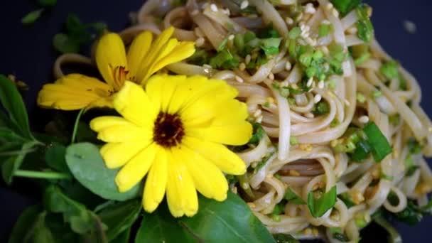 noodle salad dish vegetable dinner