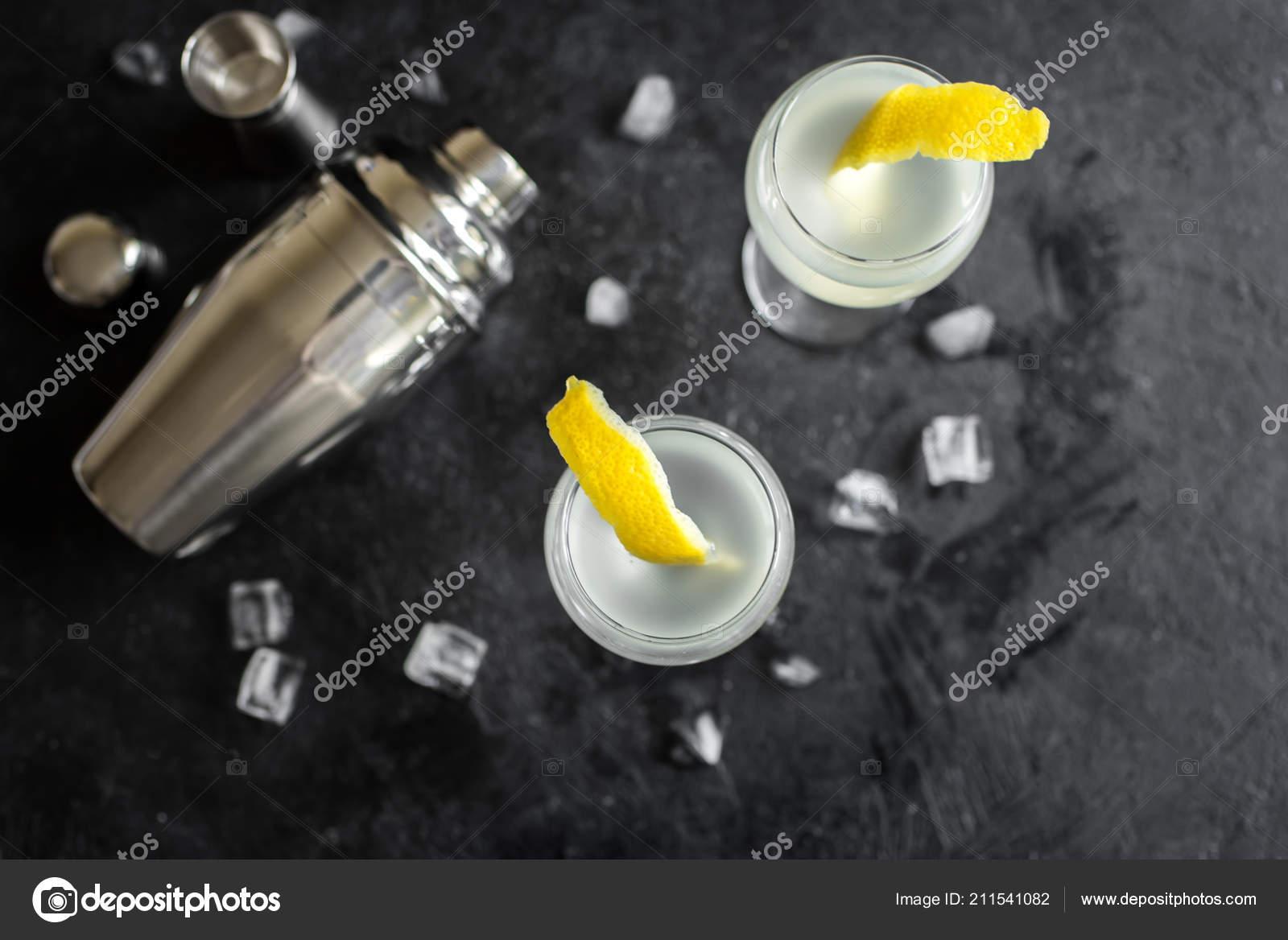 Vesper Martini Cocktail Lemon Wedge