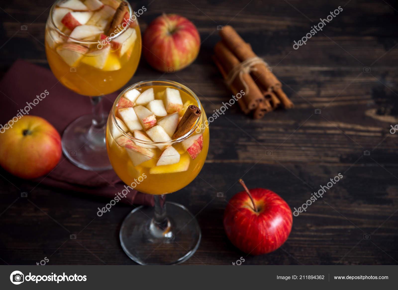Hausgemachte Sangria Apfelwein Punsch Obstwein Für Herbst Und Winter ...