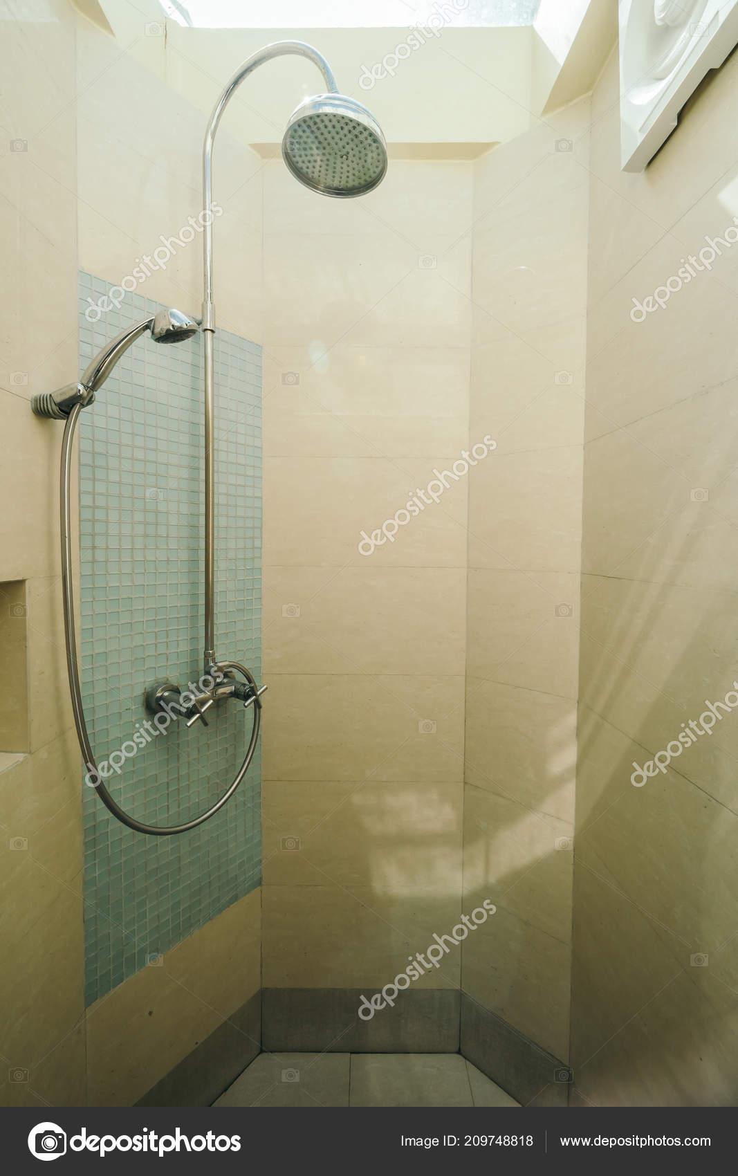 Ducha Aire Libre Cuarto Baño Decoración Interior — Foto de ...
