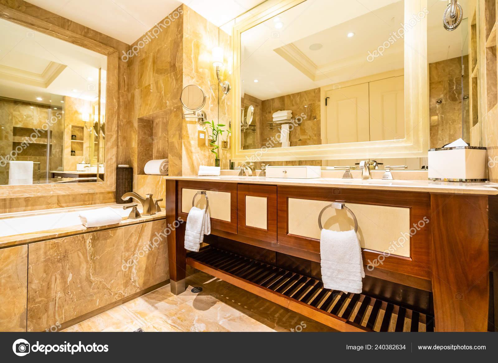 Schöne Luxus Armatur Und Waschbecken Dekoration Badezimmer ...