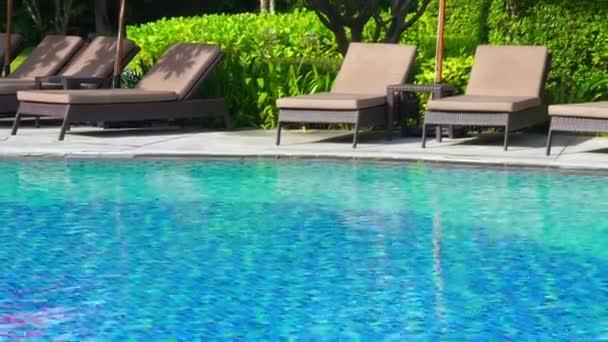 nyugodt felvételeket üres medence a Resort Hotel