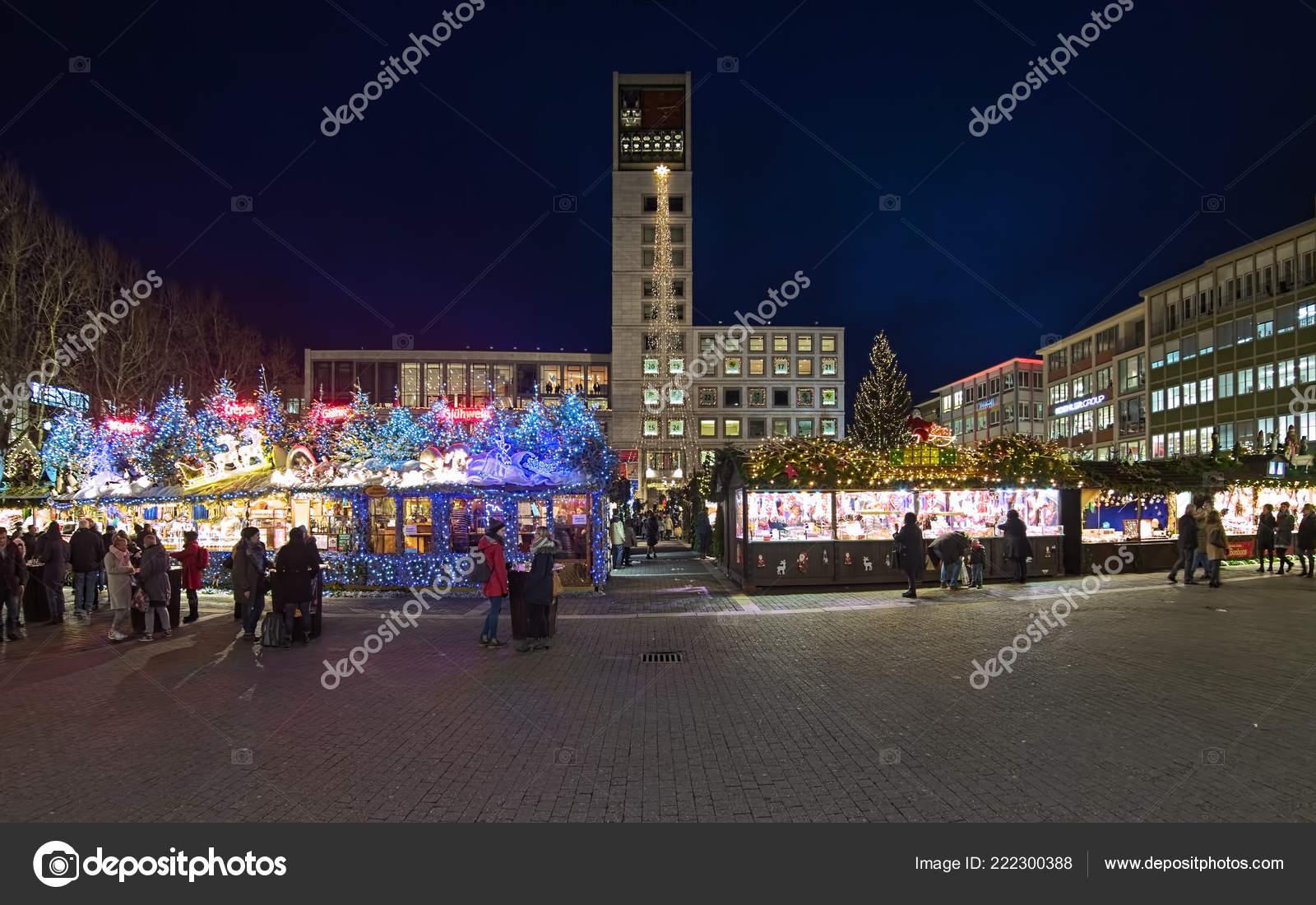 Deutschland Weihnachtsmarkt.Stuttgart Deutschland Dezember 2017 Weihnachtsmarkt Marktplatz