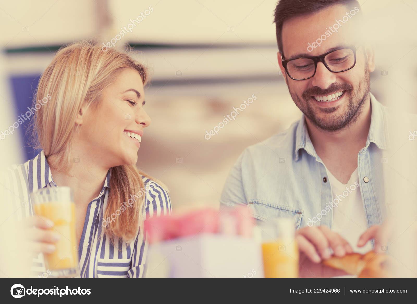 νόμους για την ηλικία των γνωριμιών στο Ουισκόνσιν