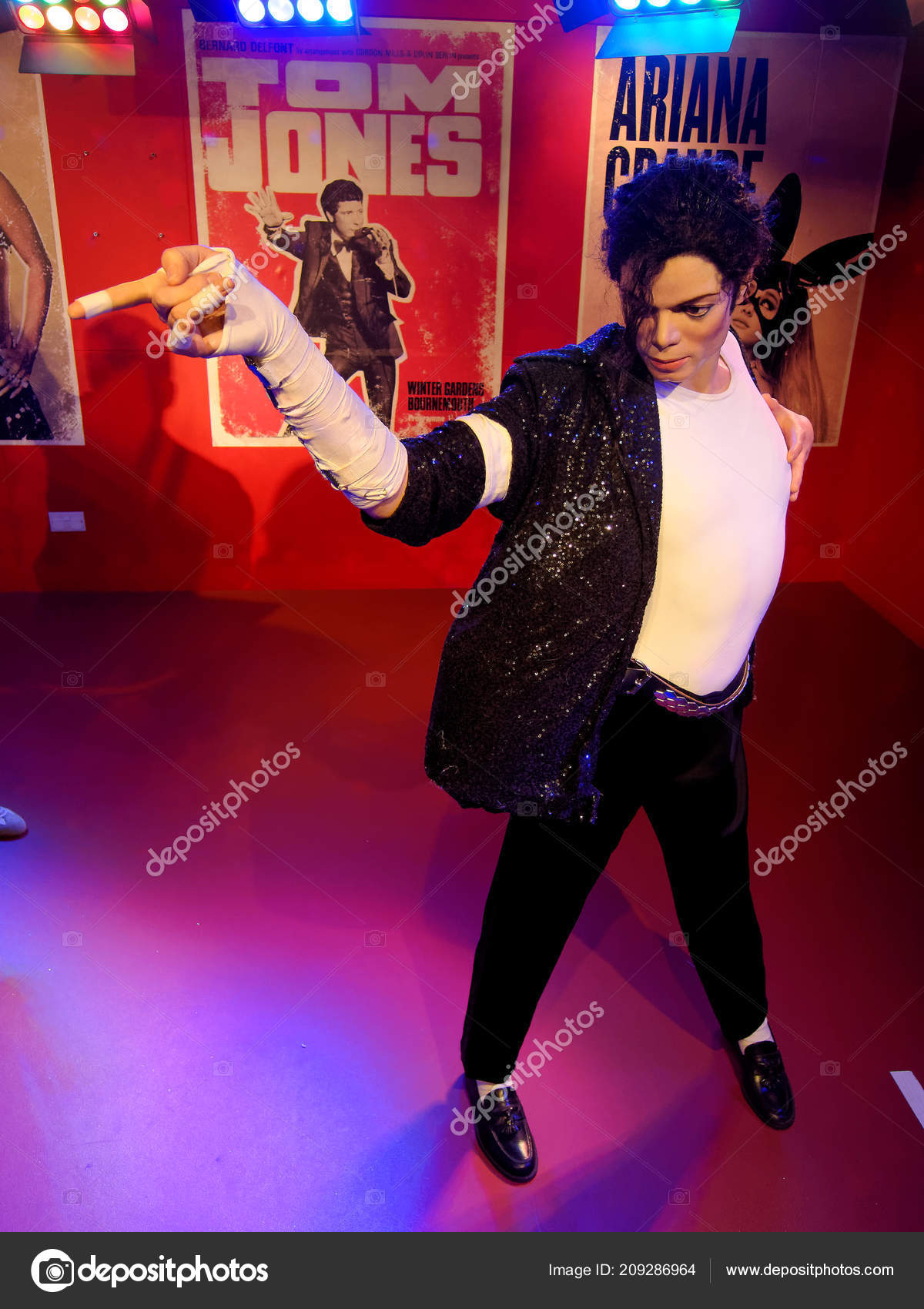 e140723ead5 Αθήνα, 14 Ιανουαρίου: Τζάκσον κερί άγαλμα στο Μουσείο της Madame Tussauds, Ηνωμένο  Βασίλειο 2018 — Εικόνα από ...
