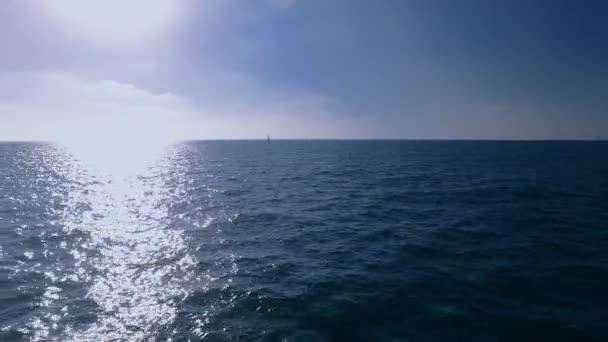 Zavedení shot hukot moře při západu slunce