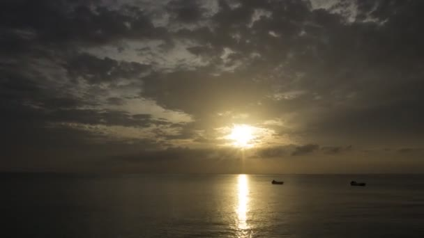 Amazing time-lapse of the sunset over the Caribbean Sea
