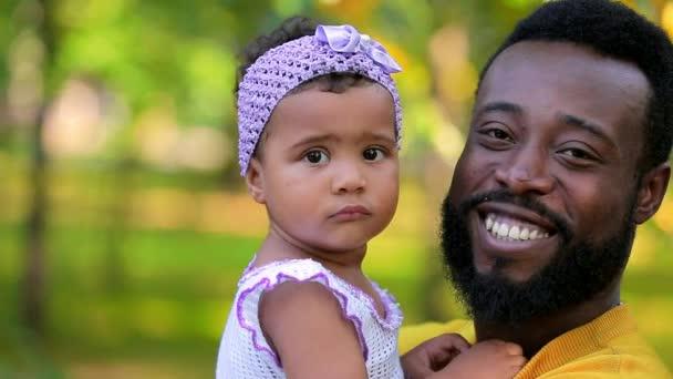 Apja tartja lánya beszélt neki