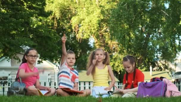 Gyermekek és oktatás, iskolás csoport
