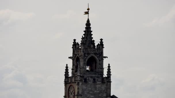 Věž kostela v staré a turistické město Avignon, v jihovýchodní části Francie. Nachází se ve francouzském departementu Vaucluse a regionu Provence-Alpes-Cte dAzur