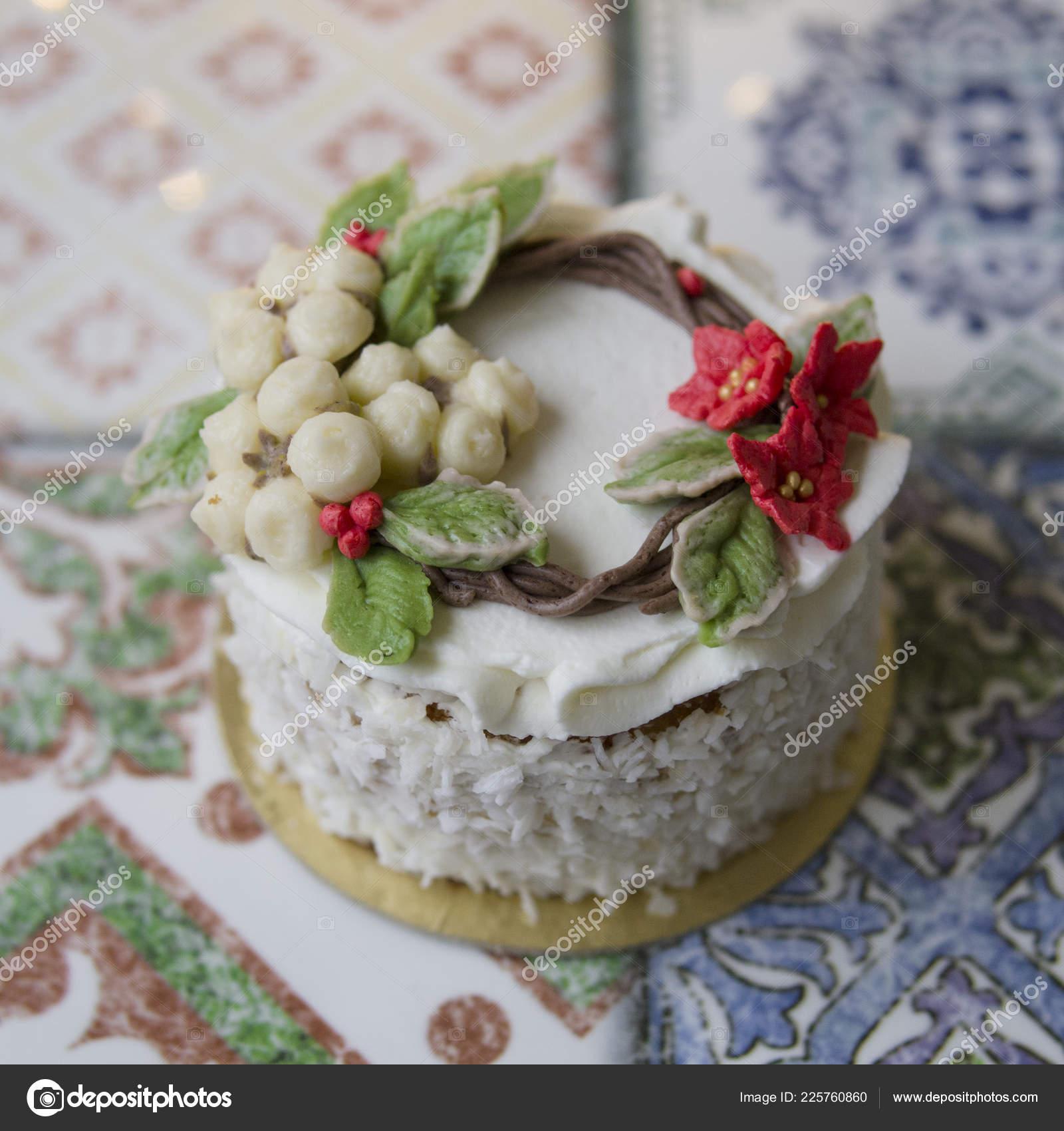 Torta Stella Di Natale.Anno Nuovo Bianco Torta Natale Decorata Con Fiori Crema Stella