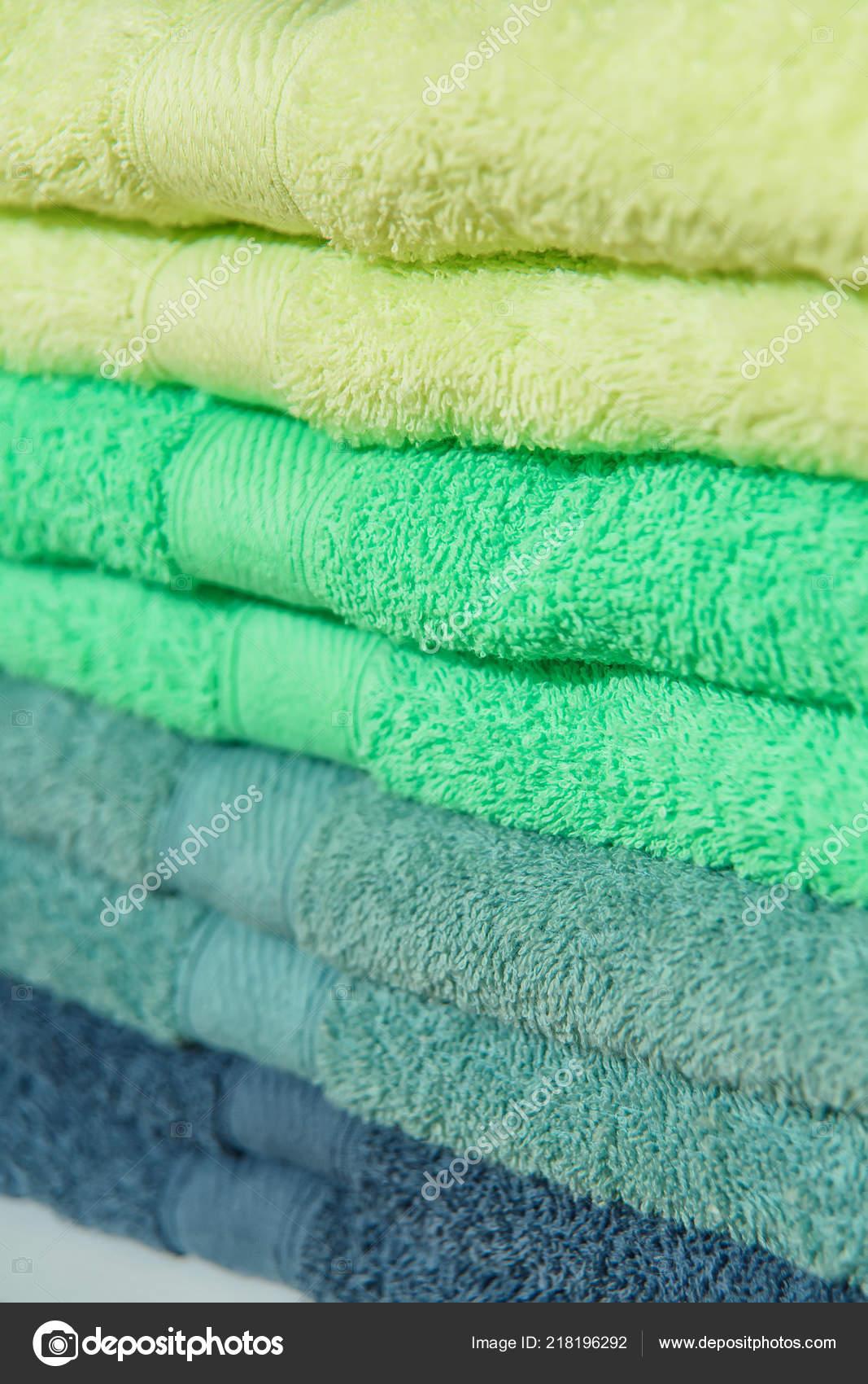 Toallas Felpa Color Hotel Toallas Secas Suaves Para Baño Textiles — Foto de  Stock d51b1773fc8a