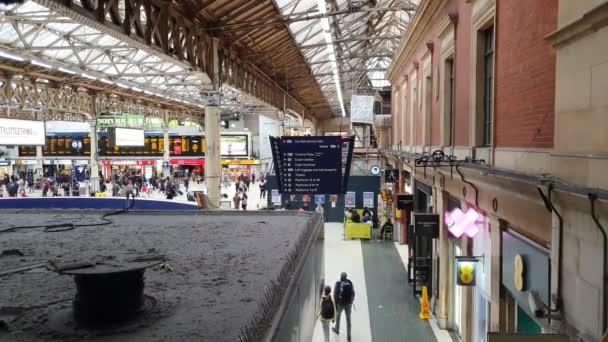 London Victoria Station at peak time
