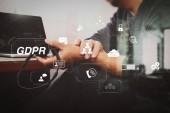 gdpr. Datenschutz-Regulierung mit Cyber-Sicherheit und Privatsphäre virtuelle diagram.man mit VoIP-Headset mit digitalem Tablet-Computer Docking intelligente Tastatur, Konzept Kommunikation, es unterstützt.