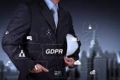 Fotografie Gdpr. nařízení o ochraně údajů s kybernetické bezpečnosti a soukromí virtuální diagram.smart inženýr a úspěch v jeho podnikání