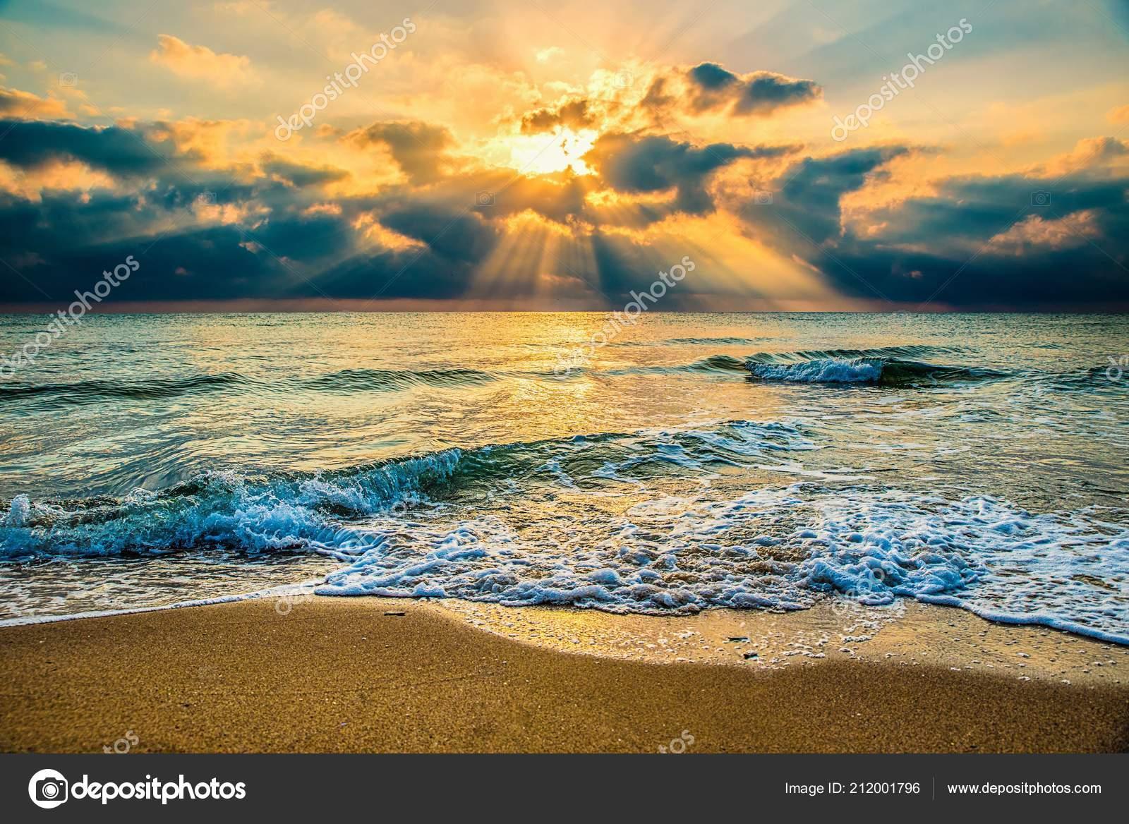 Krásné Romantické Ráno Moře — Stock Fotografie © baronb  212001796 a4cc288ecf5