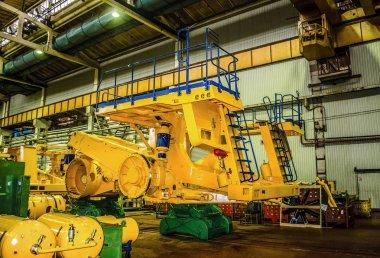 Kariyer ağır damperli kamyonlar Belaz üretimi için bitki. BelAZ Belarus üreticisine Nakliyat hafriyat malzemesi, dökümü kamyonlar, mesafe kamyon, ağır ekipman var. Yakın çekim