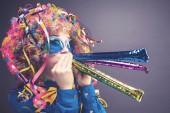 Szép party paróka és a szemüveg (Carneval nő portréja)