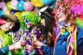 Fényképek Párt az emberek ünnepli a carnival, vagy új év party Club