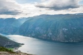 Photo majestic landscape with sea and Aurlandsfjord from Stegastein viewpoint, Aurland, Norway