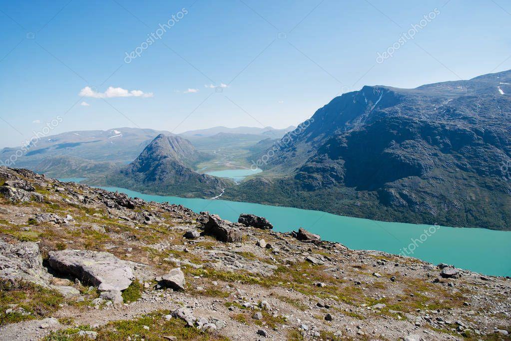 Фотообои Бессегген на озеро Йенде в Национальном парке Йотунхеймен, Норвегия
