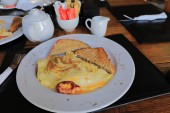 Photo I enjoyed a delicious omelette at the Roodeberg Winery between Worcester and Robertson (South Africa) a week ago. It was really great and tasty.