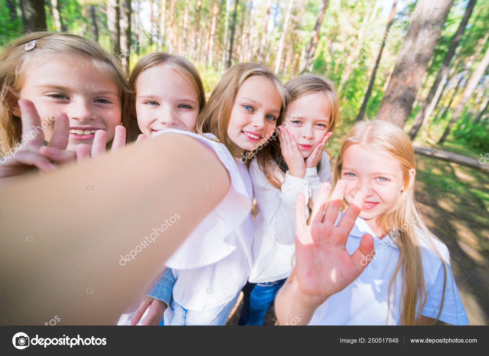 pretty girls kids selfie