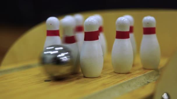 Bowling hra těšit a bavte se