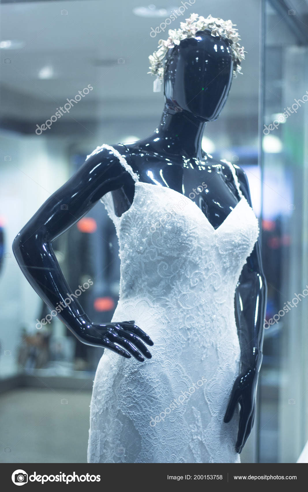 Bridal Shop Dummy Bride Mannequin Department Store White Wedding ...