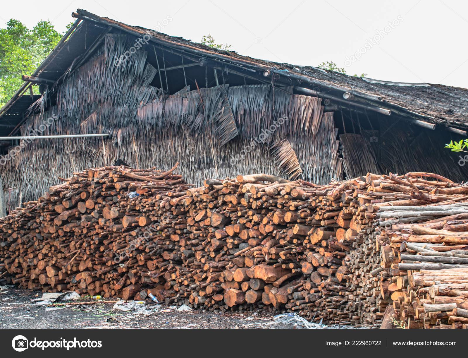 Mangrove Wood Raw Material Charcoal — Stock Photo © upinyo54 hotmail