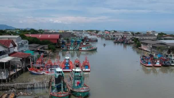 Letecký pohled na ústí Rayong