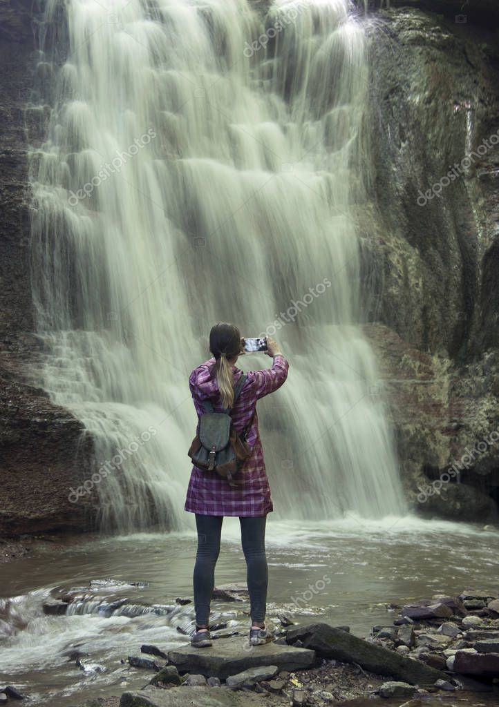 выделяется светлом в чем фотографироваться на водопадах его буквально только