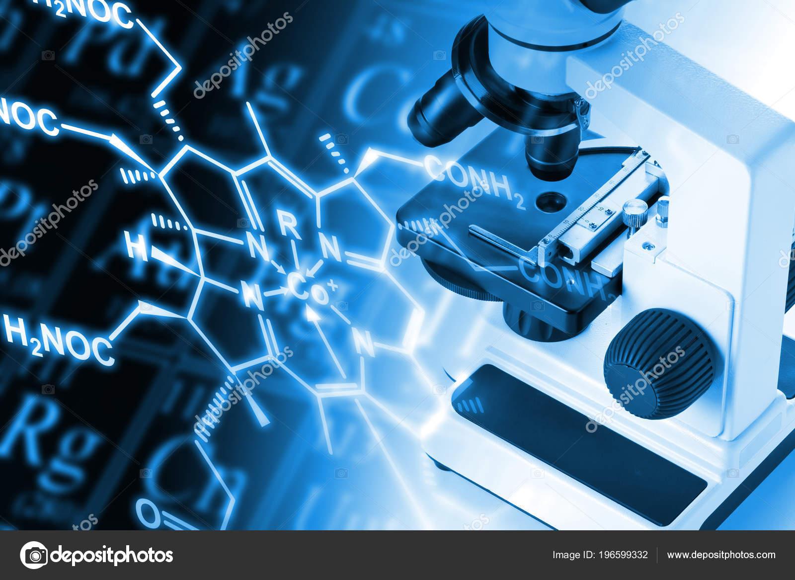 Microscopio investigacin con frmula estructural molcula tabla microscopio investigacin con frmula estructural molcula tabla peridica elementos azul fotos de stock urtaz Choice Image