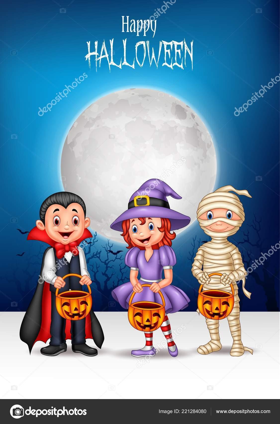 Bambini dei cartoni animati con costume halloween che tiene