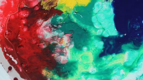 Akrylové barvy barevné bubliny, tekoucí barevné laky, barevné Malování kapky, abstraktní barevné pozadí