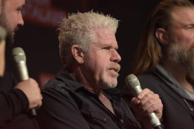 MANNHEIM, GERMANY - MAR 17th 2018: Ron Perlman (*1950, actor, Hellboy, Sons of Anarchy, Blade II) talks about his experiences in Sons of Anarchy at Walker Stalker Germany
