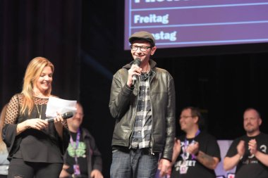 Bonn, Germany. 20th Oct 2017. DJ Qualls (* 1978), US actor, entering the stage at the opening ceremony of FearCon, a horror fan convention taking place in the Maritim Hotel Bonn between October 20-22nd, 2017.