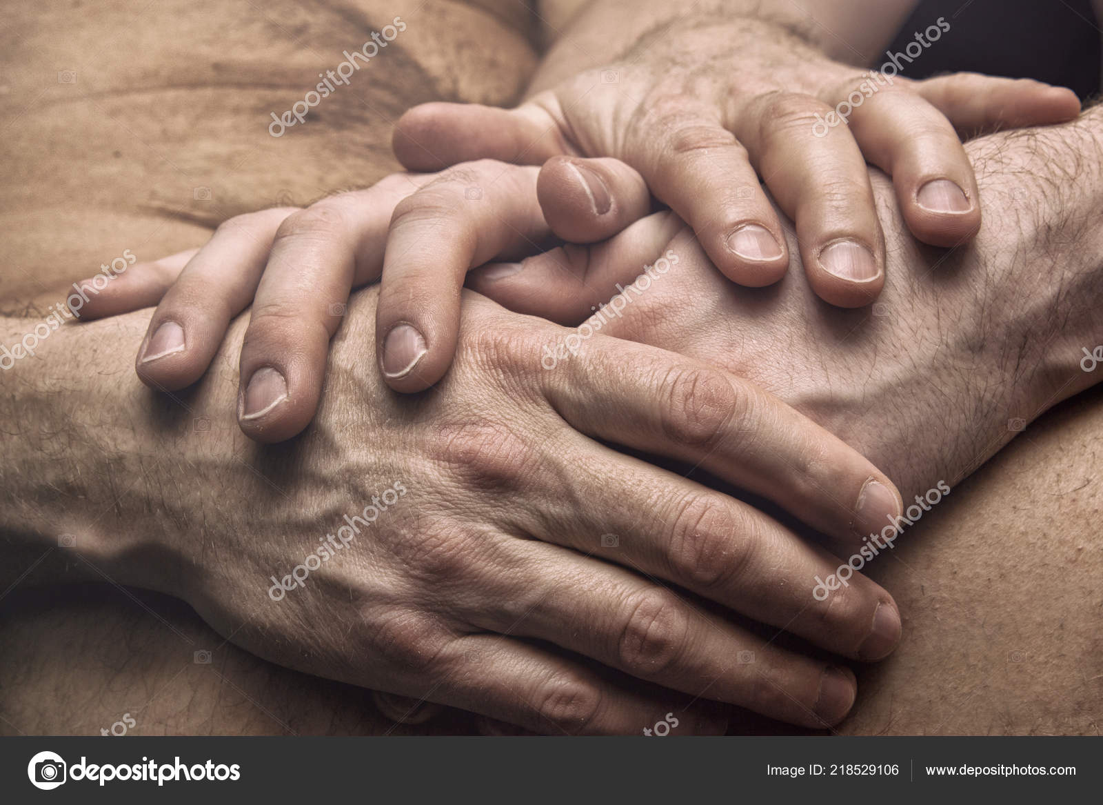 картинка две руки вместе любовь