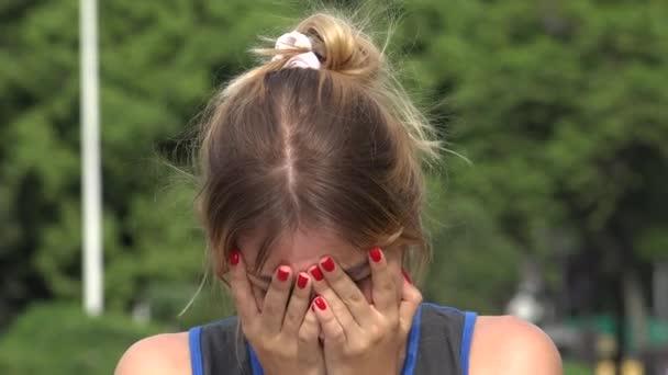 Smutek a stres hispánský dívenky