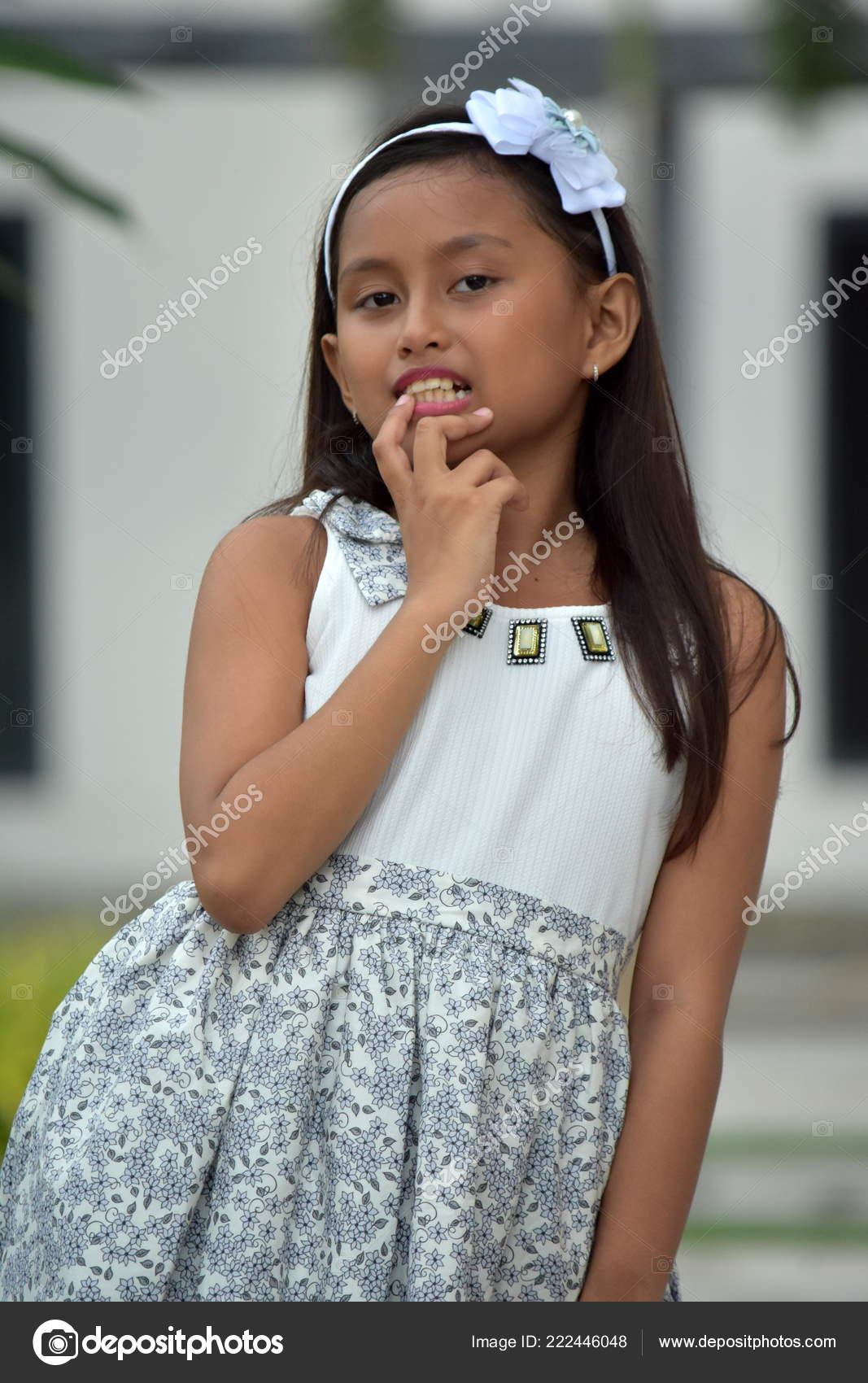 sitting-filipina-petite-jeune-fille-lawler-fucking