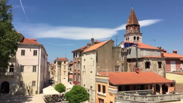 Cestovní Chorvatsko. Pohled na město Zadar v Dalmácii.