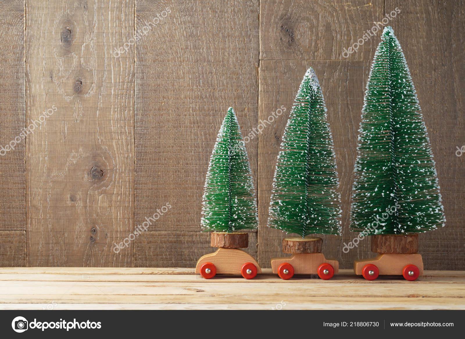 Mesa Navidad Stock — Con Juguete Madera Árboles Coche Foto De Fondo jLSMVUzpGq