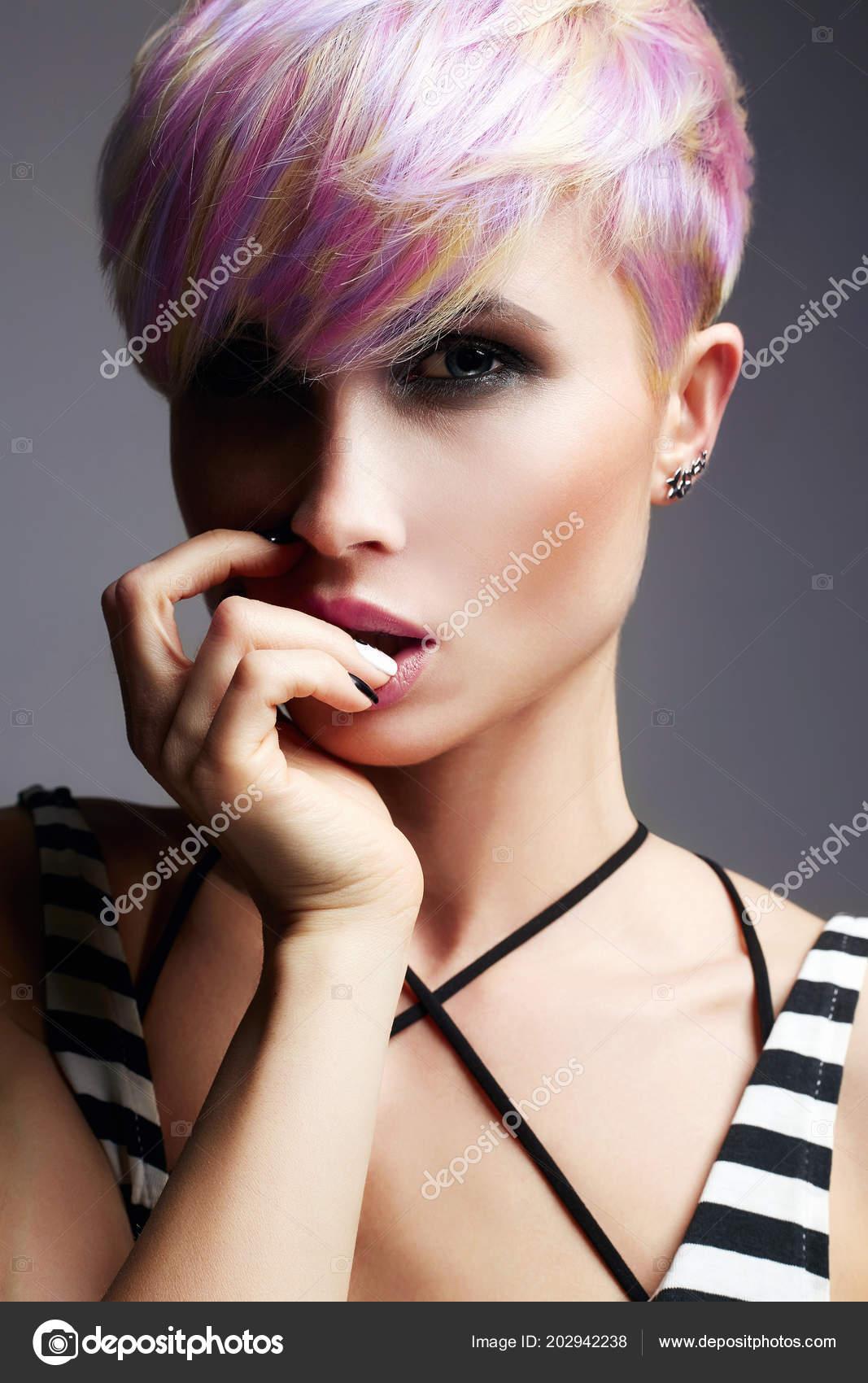 Krótkie Włosy Dziewczyna Uroda Moda Model Dziewczyna