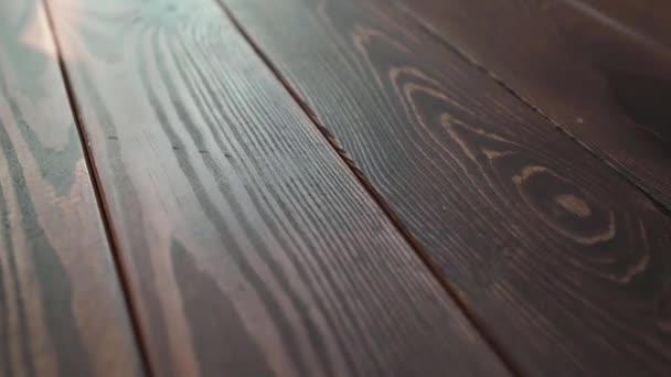 krásné kvalitní dřevo borovice hnědá textura tesařství továrna